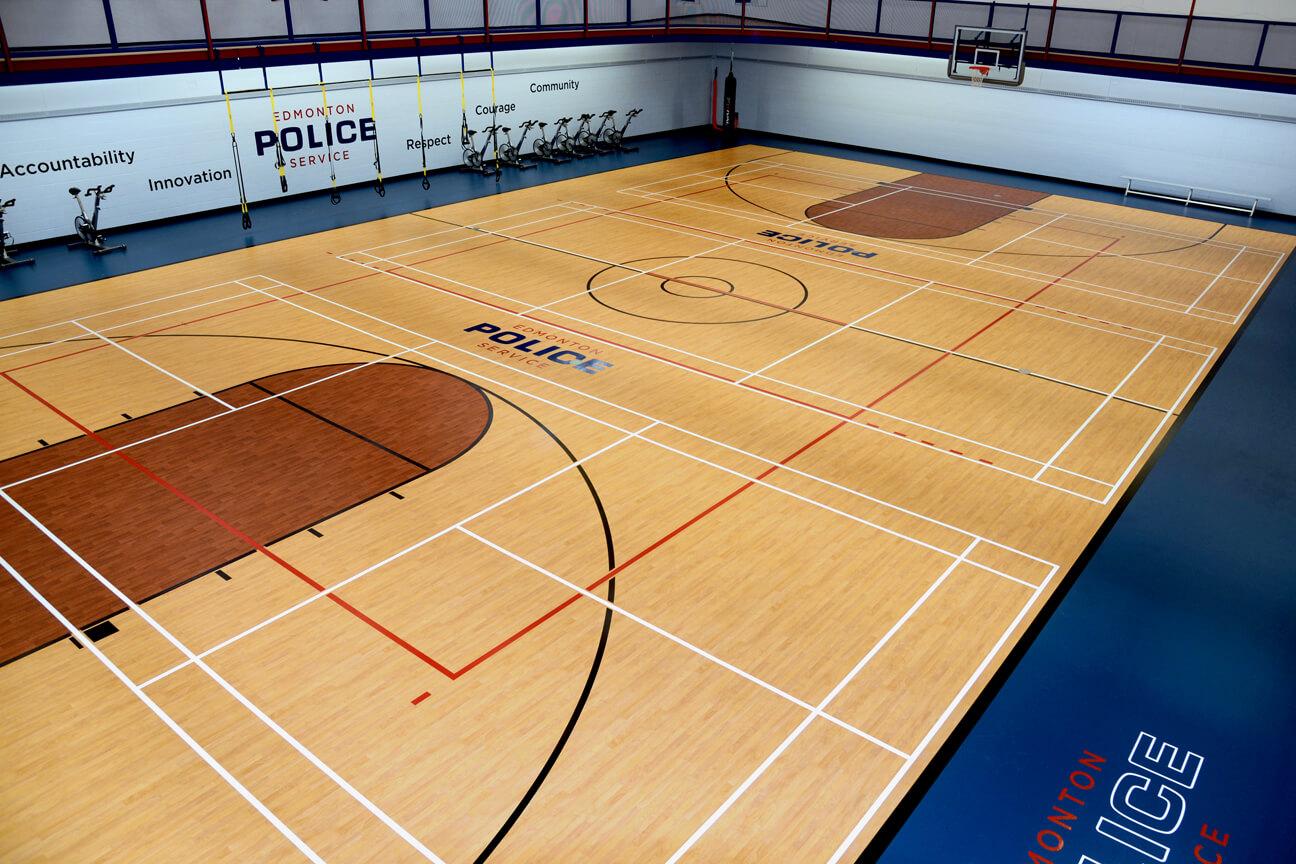 Plancher de gymnase Kinesport au service de police Edmonton (Edmonton, Alberta)