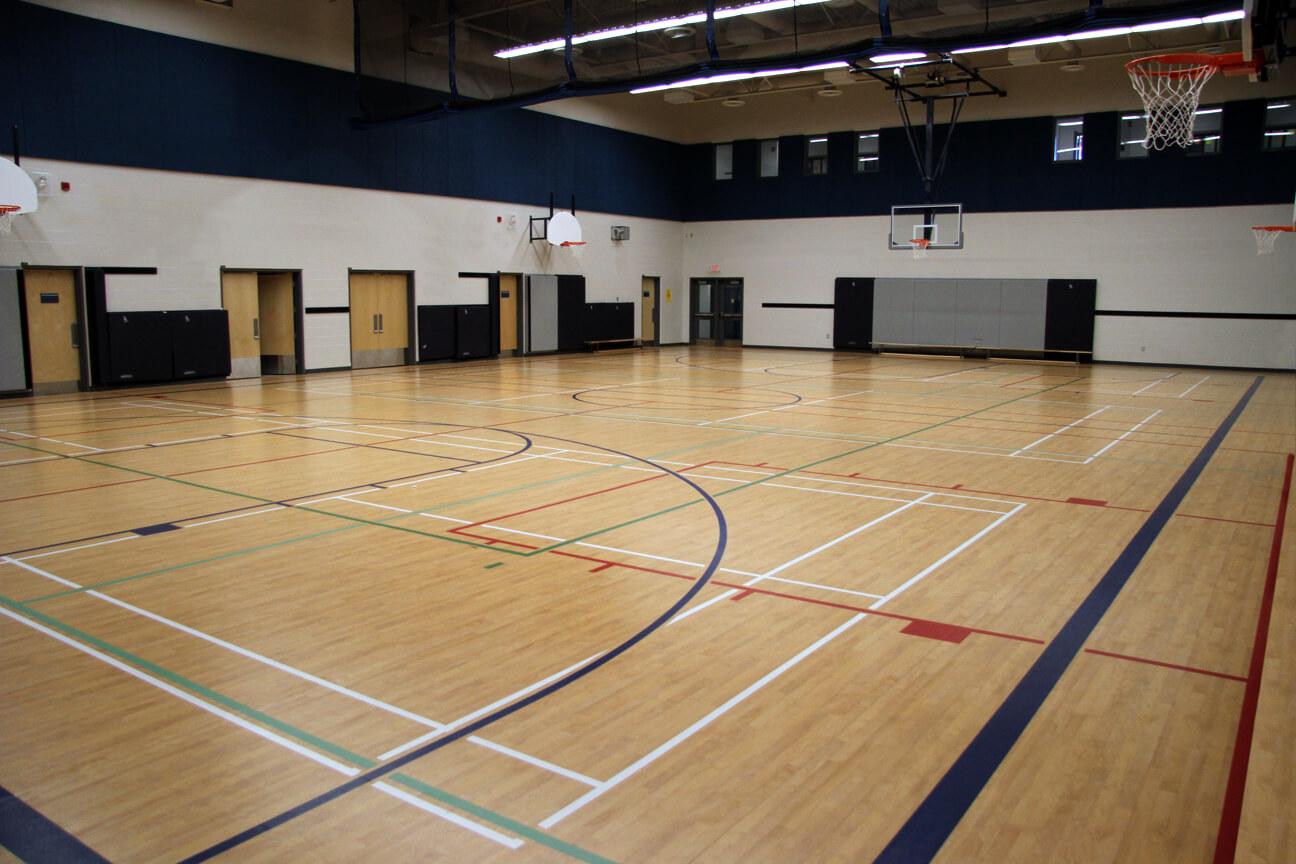 Gymnasium flooring Omnisports 8.3 at Lumen Christi Elementary School (Milton, Ontario)