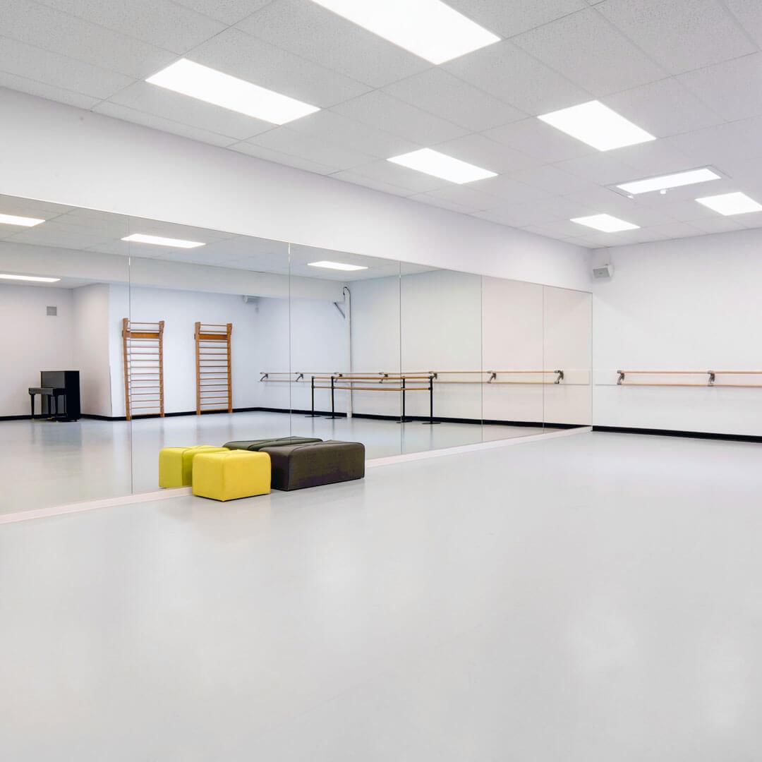 New Dancefloor in classic dancing studio